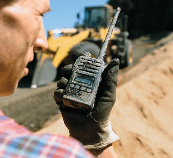 Επικοινωνία σε εργοτάξιο με PMR
